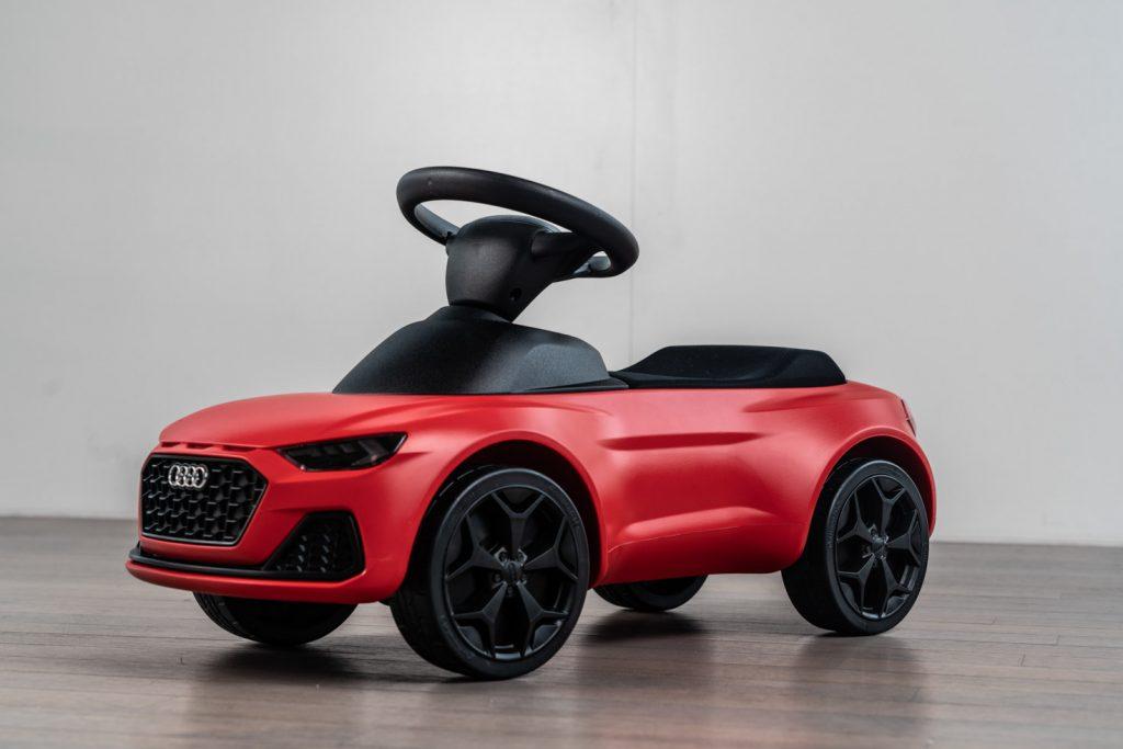Voiturette Audi rouge