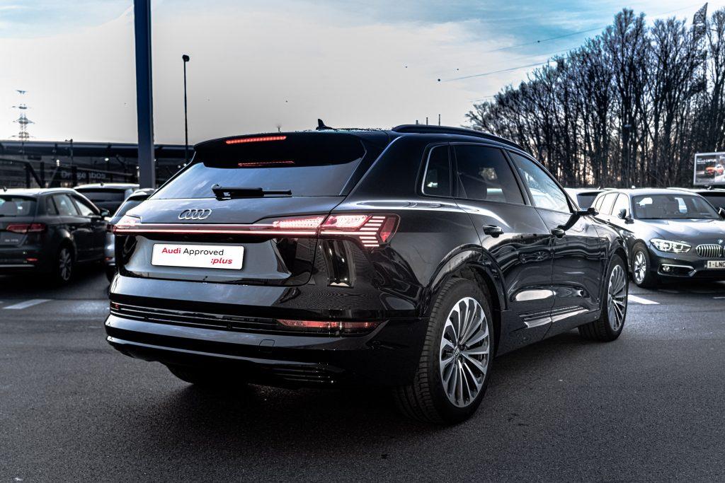 Audi e-tron 3/4 arrière droit